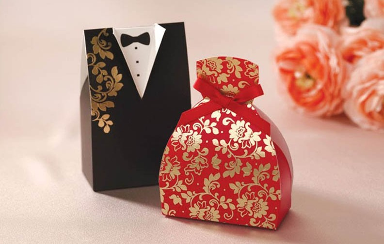 bride-and-groom-wedding-candy-box-font-b-packing-b-font-favor-boxes-font-b-marriage.jpg__800x500_q85_crop-scale_subsampling-2
