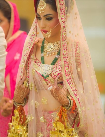 beautiful bridal chura