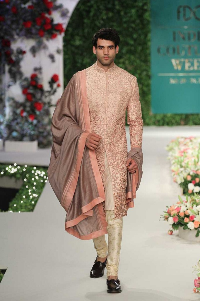 Top Designers For Traditional Menswear In Delhi That You Need To Checkout Right Now