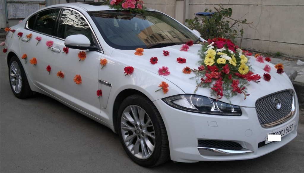 Enter In Style With These Wedding Car Decoration Ideas
