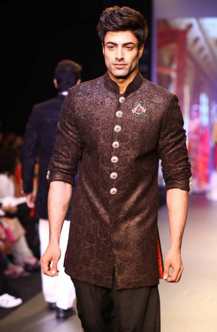 Top Designers For Traditional Menswear In Delhi That You