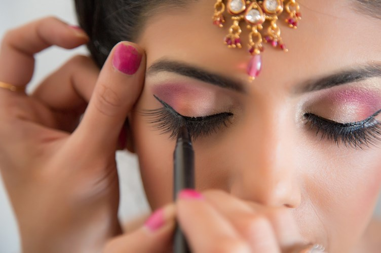 what all to keep in mind while booking a makeup artist