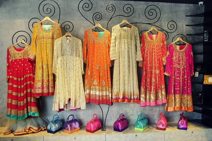10 best places in chandni chowk to buy your bridal lehenga