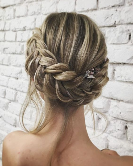 Hairstyle For Attending Wedding: 8 Drop-Dead Updo Hairstyles For The Next Wedding You