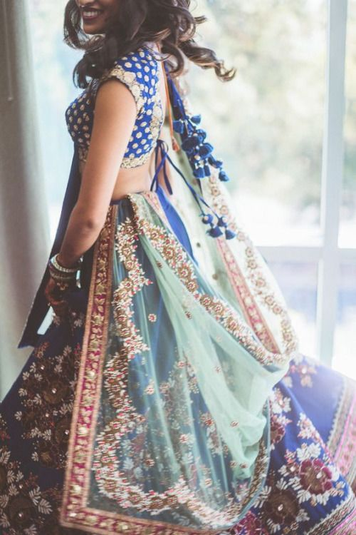 Single Dupatta Falling From One Side Of The Shoulder