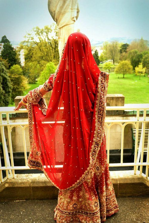 Dupatta Taken Over One Arm And Wrapped Around Wrist