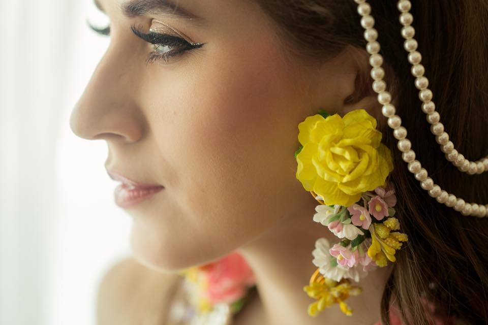 I Bridal Mehndi Jewellery : You guys there s a new flower jewelry trend in town and we re