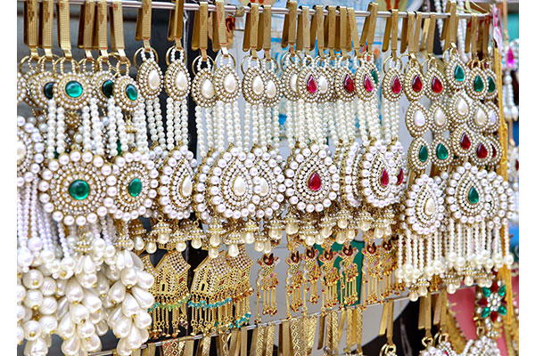 Where To Go For Bridal Shopping In Delhi Adw Title