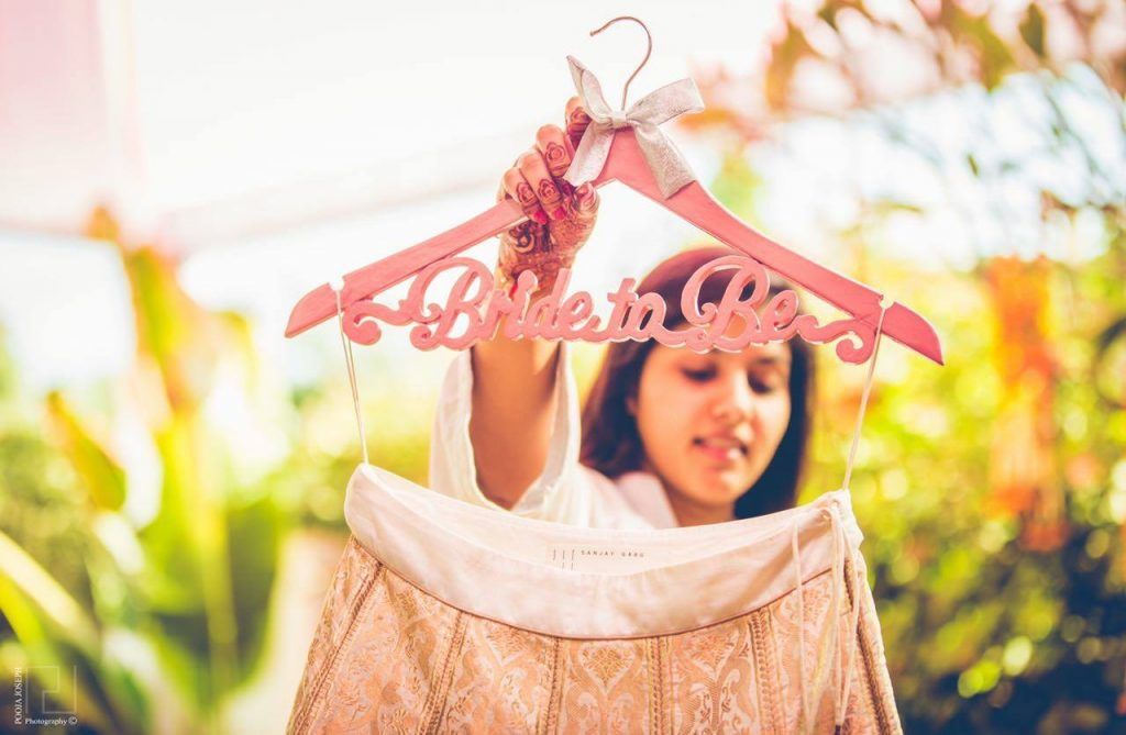 best customized hangers for brides