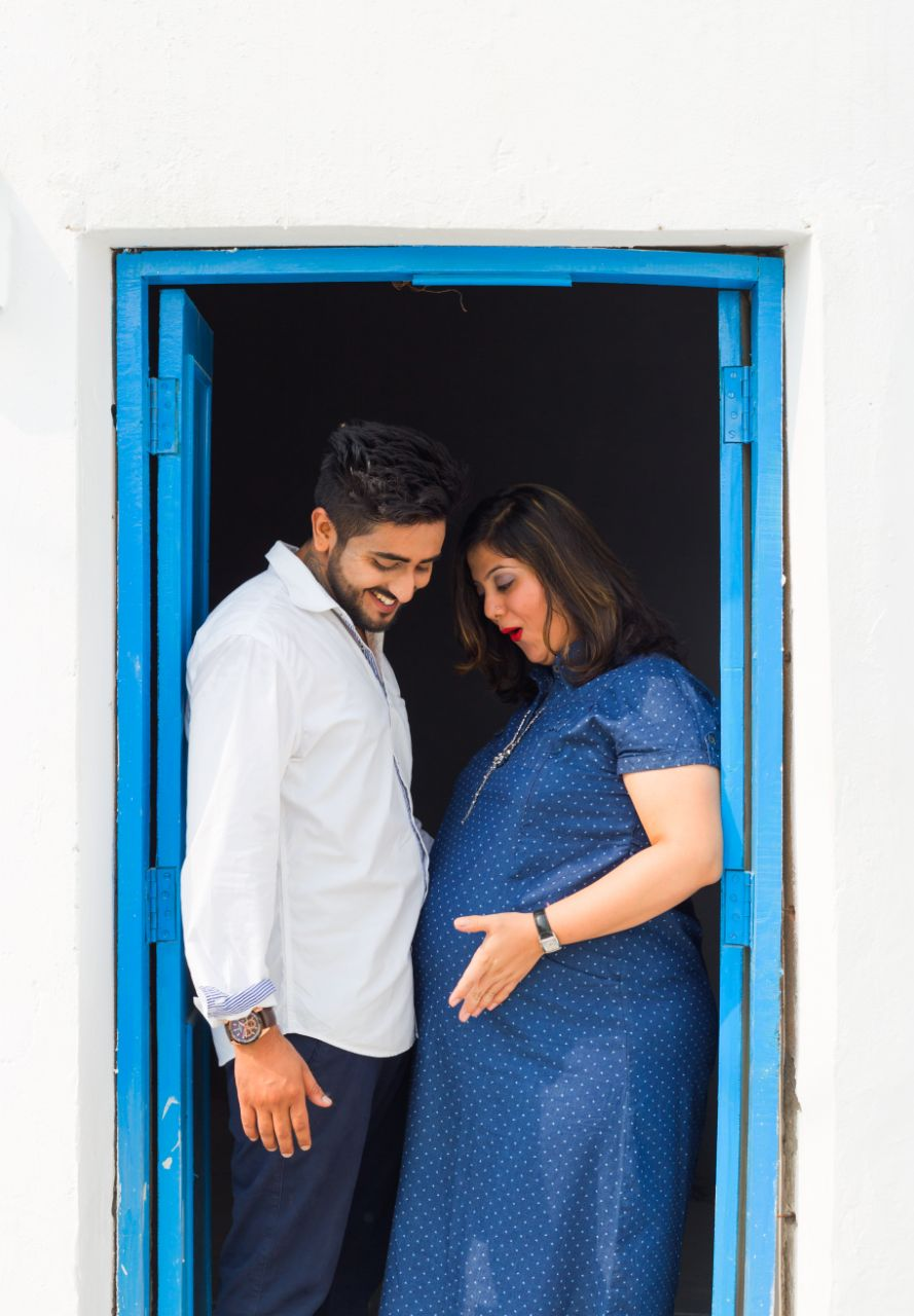 Cute Maternity Photoshoot at Your Dream Location | 5 Spectacular Photo Shoot Locations in Delhi NCR | FunctionMania