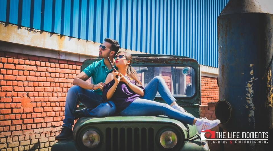 Quirky Pre Wedding Photoshoot on Jeep with gun at Picture Destination | 5 Spectacular Photo Shoot Locations in Delhi NCR | FunctionMania