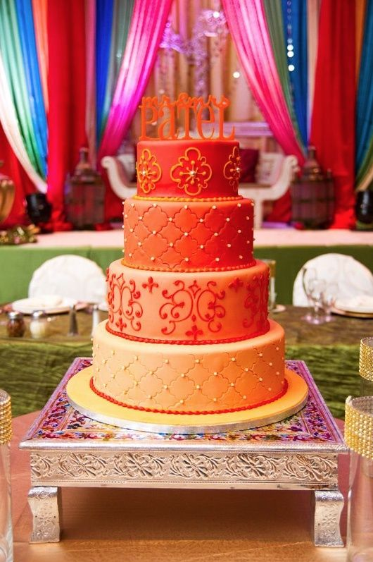 Reverse Ombre Cake in Shades of Orange