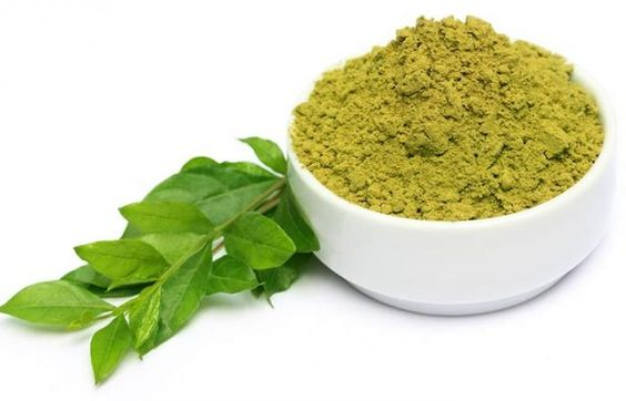 Henna-powder-with-leaves-Function Mania