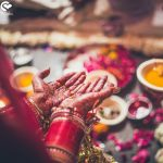 Henna-adorned-hands-of-an-Indian-bride-FunctionMania-Sonal Schadeva Photgraphy