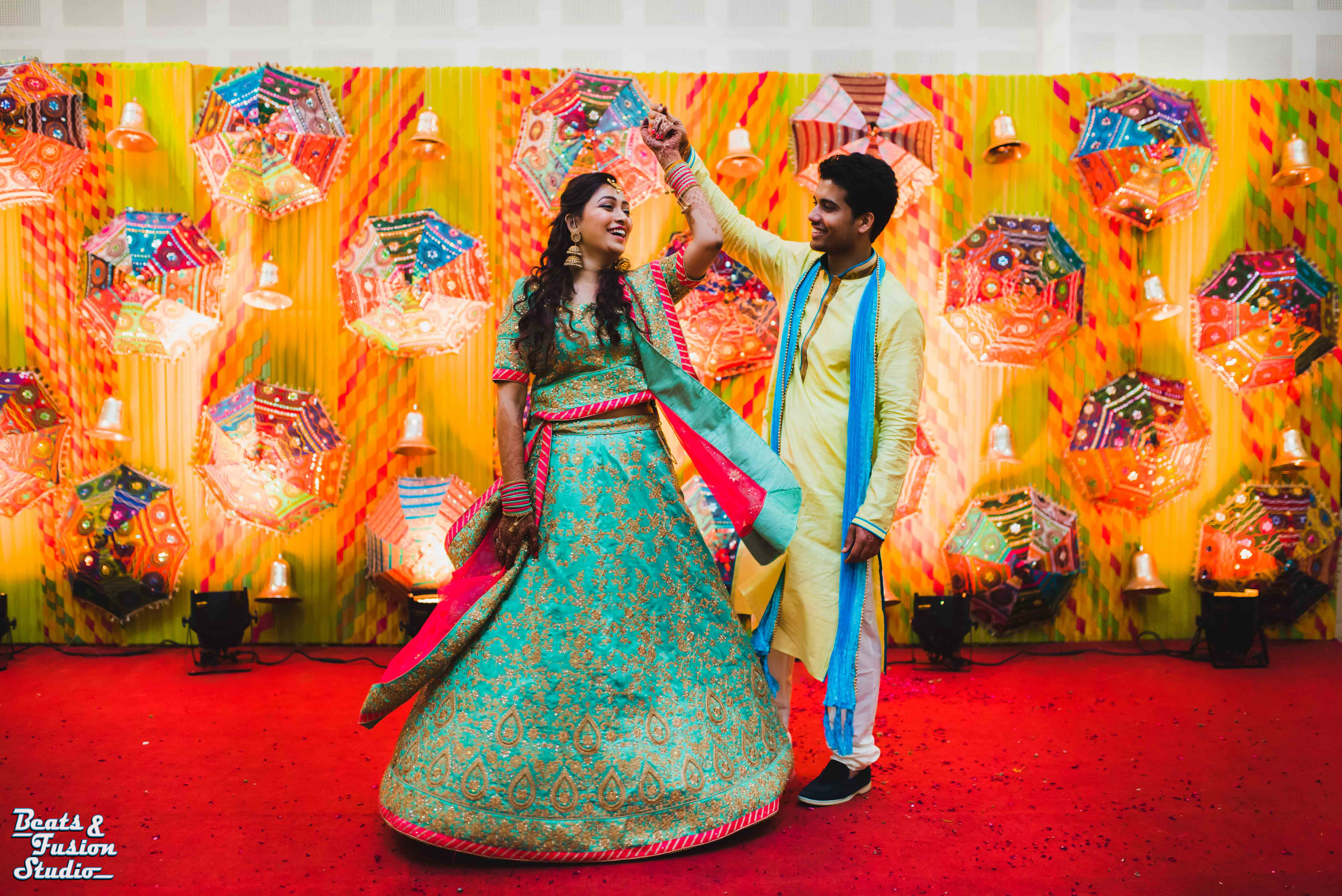 Mehendi And Sangeet Dance Performance | Beats & Fusion Studio | Wedding Dance Performance | Function Mania | Indian Wedding Dance