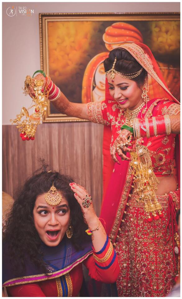 KALEERE PICTURES | BRIDE AND SISTER KALEERE MOMENTS | RED BRIDAL LEHENGA | THIRD VISION STUDIO | FUNCTION MANIA