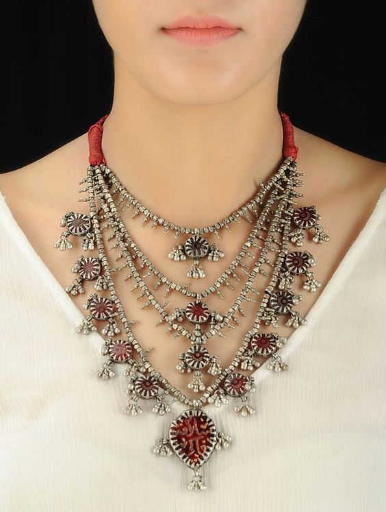 Love Junk Jewellery? Know How to Accessorize Your Look for the Next Wedding! | Function Mania | Silver Oxidised Jewellery for Indian Weddings | Multilayered Silver Jewellery