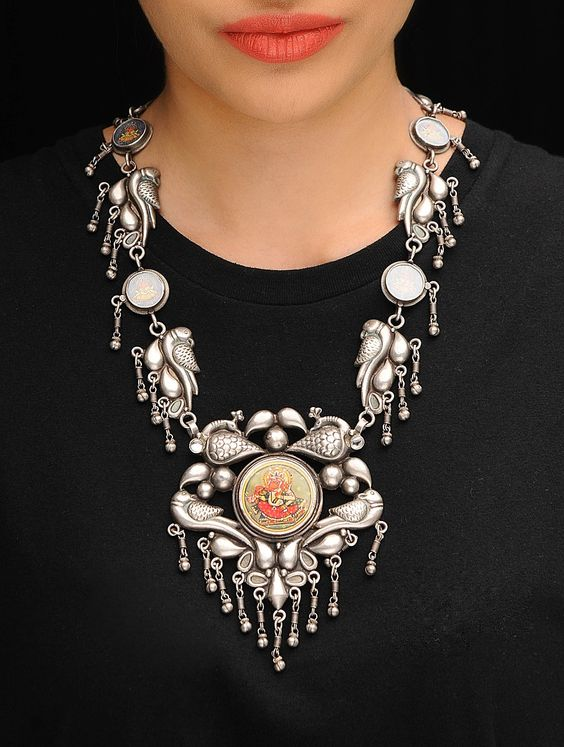 Love Junk Jewellery? Know How to Accessorize Your Look for the Next Wedding! | Function Mania | Silver Oxidised Jewellery for Indian Weddings