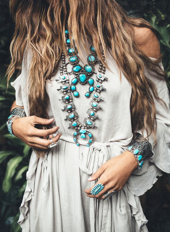 Love Junk Jewellery? Know How to Accessorize Your Look for the Next Wedding! | Function Mania | Silver Oxidised Jewellery for Indian Weddings | Turquoise Blue Stones in Silver Oxidised Jewellery |