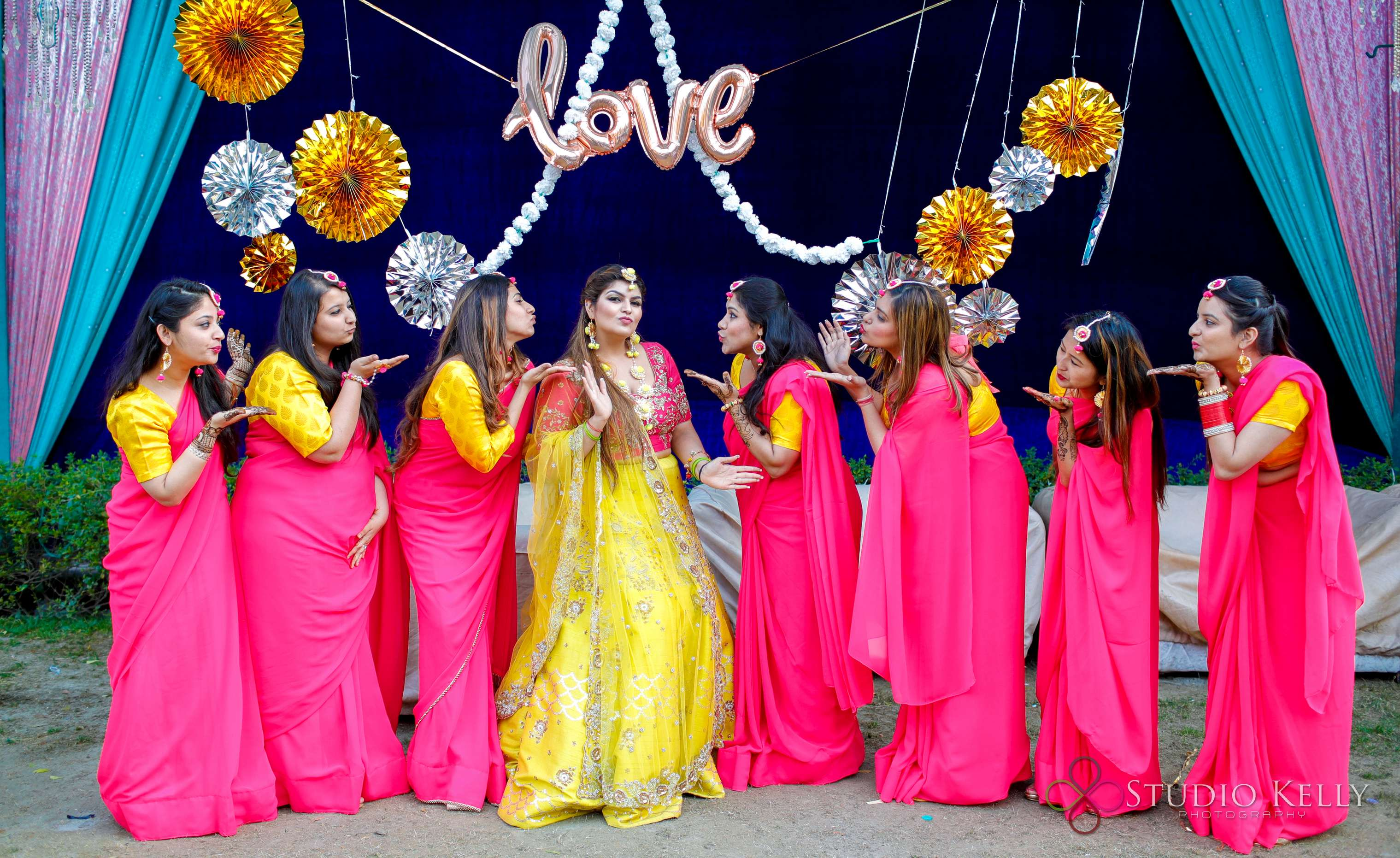 indian weddings | mehendi pictures | indian wedding pictures | Function Mania | Latest Mehendi Picture Ideas | bridesmaids ideas Quirky Pictures | Function Mania